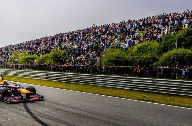 Auto de Fórmula 1 del equipo Aston Martin-Red Bull. Demostración, Mayo/2018.