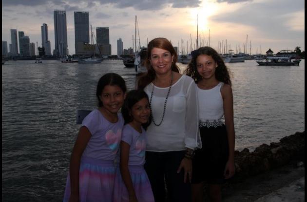 Camila Martínez, Mariana Martínez, Tania Royo y Elizabeth Martínez.