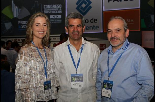 Carolina Benedetti, Rafael Del Castillo y Andrés Rodríguez.
