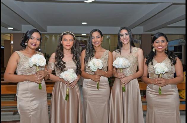 Daniela Gándara, Lina Benítez, Diana Mora, Angie Valencia y Stefany Mora.