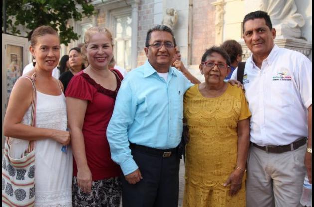 Darnell Juliao, Grace Puentes, Joaquín Vásquez, Yolanda Viana y Jorge Vásquez.