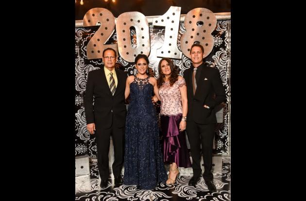Eduardo Torres, Daniela Torres, Liliana Llinás y Elkin Torres.