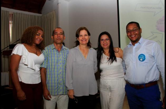 Eidis Díaz, Luis Martínez, Judith Araujo, Mónica Alcalá y José Luis García.