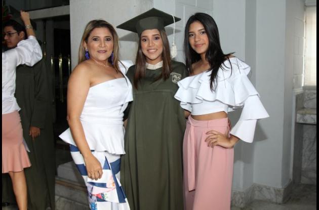 Farides Alcalá, Allison Buelvas y Geraldine Buelvas.