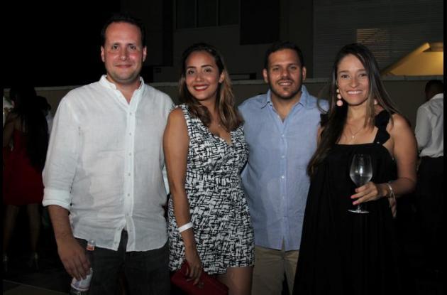 Felipe González, Margarita Arellano, Carlos Berastegui y Mary Sumoza.