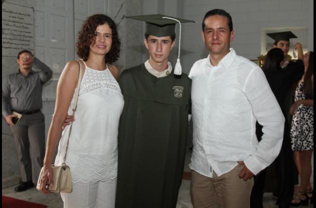 Gloria Barrera, Juan David Camacho y Ender Barrera.