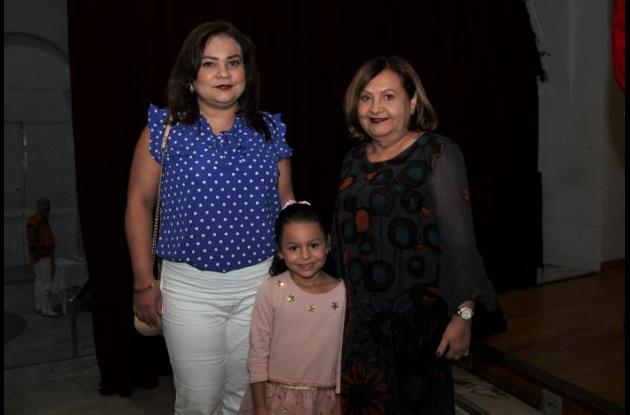 Gloria Pacheco, Marianne Rais y Lady Anillo.
