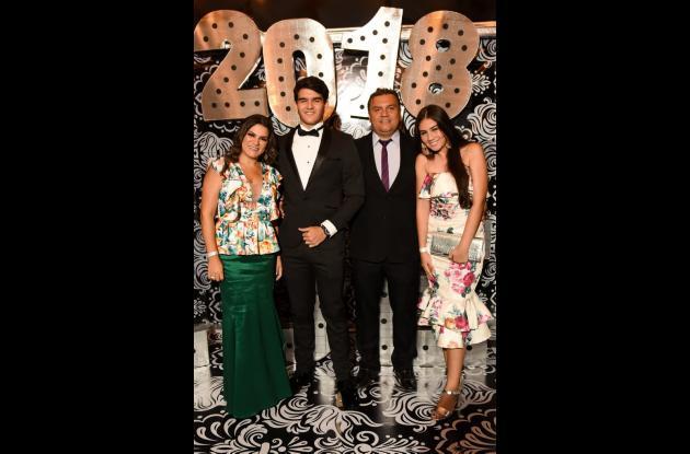 Jackeline Lacayo, Miguel Ulloa Lacayo, Miguel Ulloa y Valentina Ulloa.