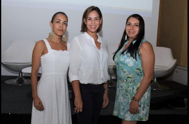 Karina Salas, Katia Carrasquilla y Mónica Alvear.