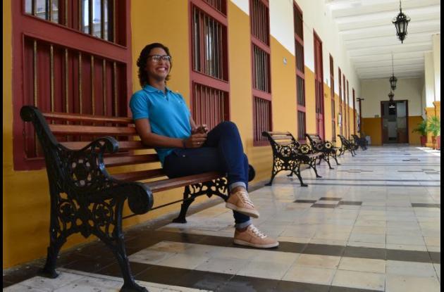 Laura Pérez Ferrer niña afectada por vacuna contra el VPH.