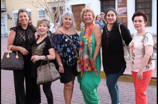 Marcela Archila, Nina Archila, María Cristina Figueroa, Patricia Borda, Nurah Alfayez y Julia Chaljub.