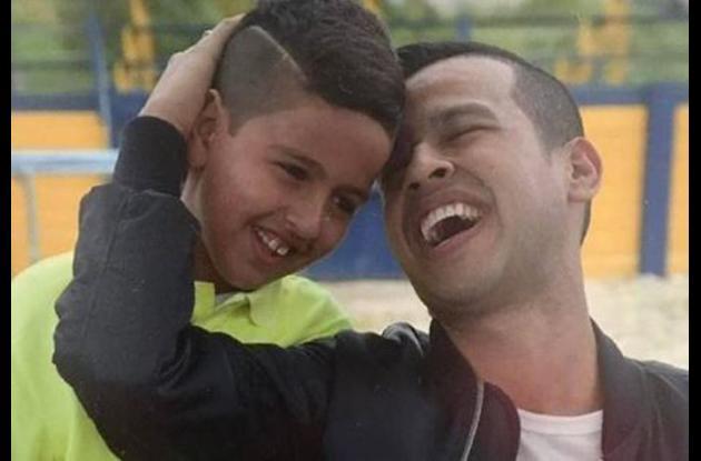 Martín Elías, artista fallecido el pasado 14 de abril de 2017, y su hijo Martincito Junior.