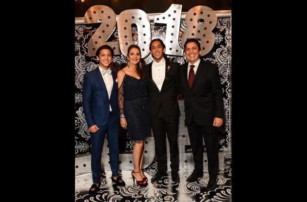 Mateo Salcedo Alfaro, Mónica Alfaro, Santiago Salcedo Alfaro y Pedro Salcedo.