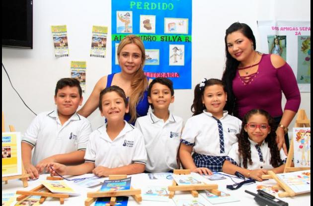 Atrás: Natalia Rendón y Liliana Reyes; adelante: Santiago Romero, Matías Ramos, Alejandro Silva, Danna Pérez e Isabella Sierra.