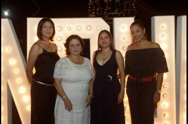 Nina Ferrer, Sonia Gómez, Heidy Guzmán y Shirly Martínez.