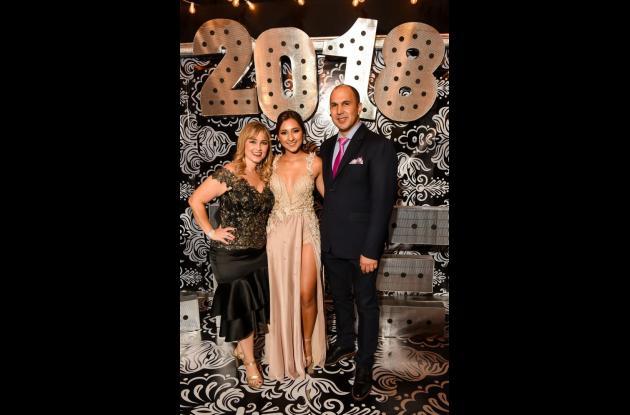 Olga Lucía Vásquez, Laura Del Castillo y Eduardo Del Castillo.