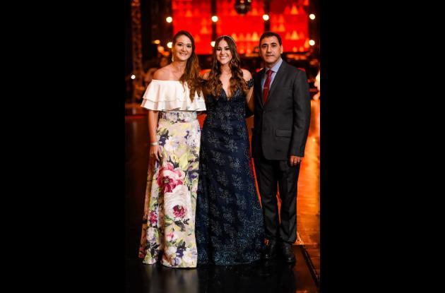 Patricia Suárez, Alejandra Jasbón y Abraham Jasbón.