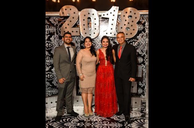 Ramiro Martínez, Aleida Torres, Valeria Martínez y Ramiro Enrique Martínez.