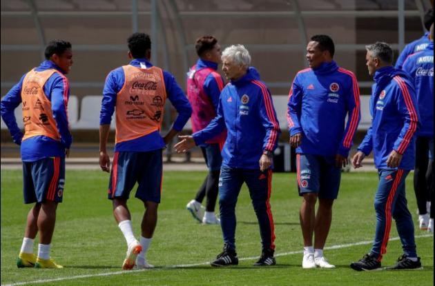 La Selección Colombia entrenando en el estadio de Village de Kazán.