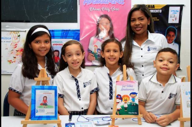 Sofía Echeverría, Briana Mercado, Oriana Ortiz, Johana Iriarte y Daniel Vélez.