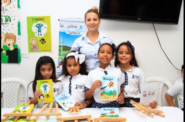 Sofía Rodríguez, Salomé Cavadía, Kelly Burgos, Isabel Imbett y Natalia Oliveros.