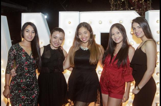 Yiney Ramos, Mileidis Guerra, Paola Hernández, Natalia Puello y Marta Villalba.