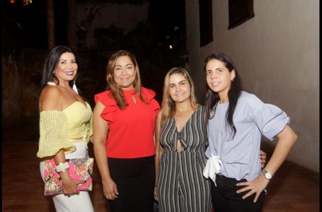 Elsy Gómez, Carmen Martínez, Gina Porto y Viviana Duque.