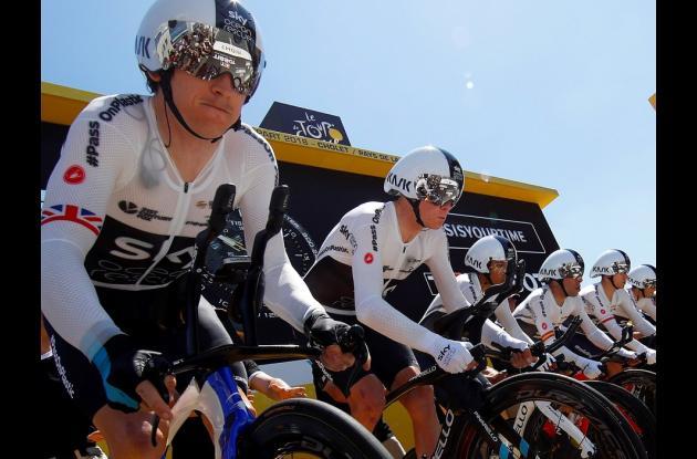 Equipo de ciclismo Sky antes del inicio del Tour de Francia