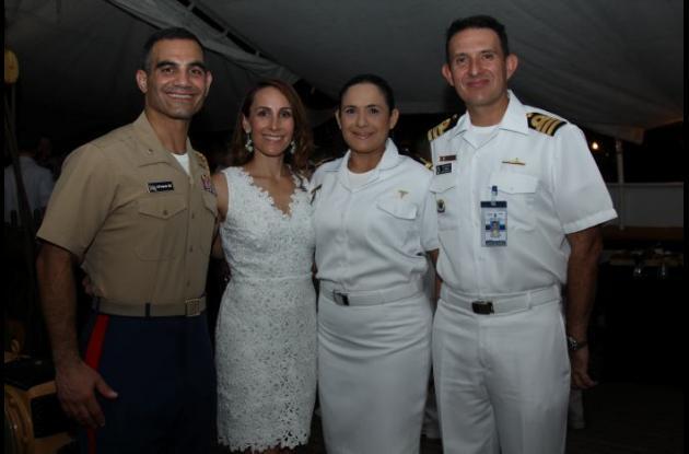 Hcol Koomparakis, Bree Koomparakis, Mónica Vásquez y Alejandro Rueda.
