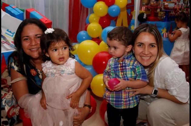 Heidy Villarroya, Catalina López, Orlando Antonio Niño y Niris Parra.