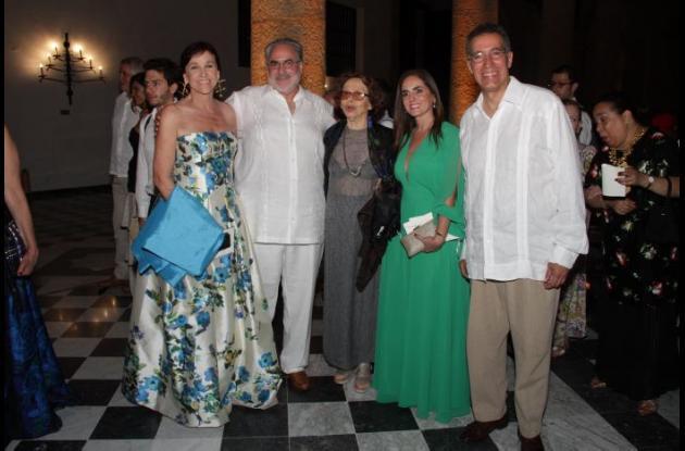 Helen Obregón, Pablo Obregón, Tita de Cepeda, Paolo Ranzini y Arnaldo Munévar.