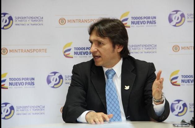Superintendente de Puertos y Transporte.