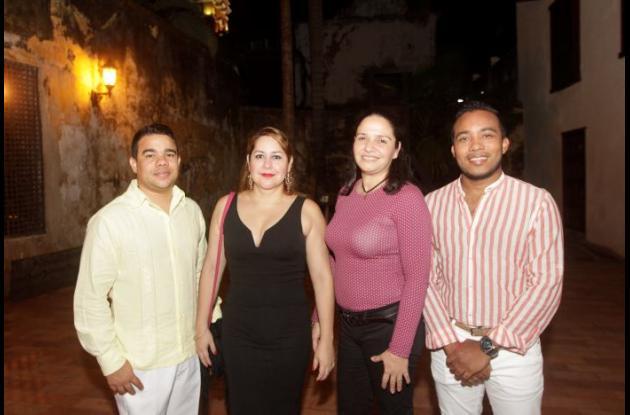 Johnny Quintana, Elisa Conde, Claudia Gazabón y Roberto Maza.