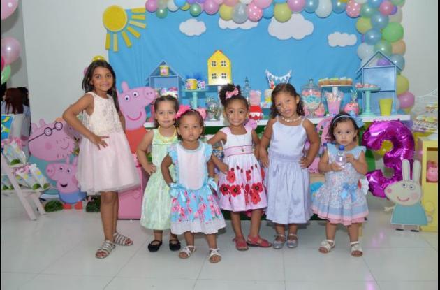 Karen Sofía Villalba, Abigail Medrano, Isabel Mendoza, Valeria Primera, Sofía Muñoz y Alicia Llamas.