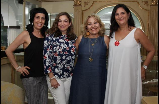 Lily Char, Virna González, Margarita Vélez y Mochi Quintero.