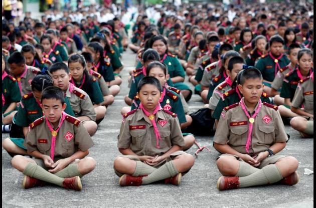 Niños estudiantes tailandeses.