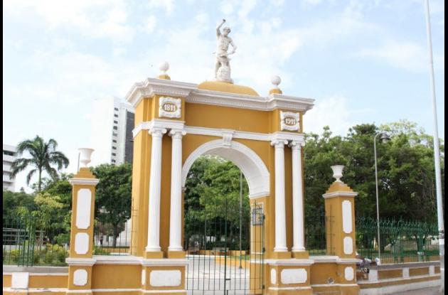 Fachada del parque Centenario
