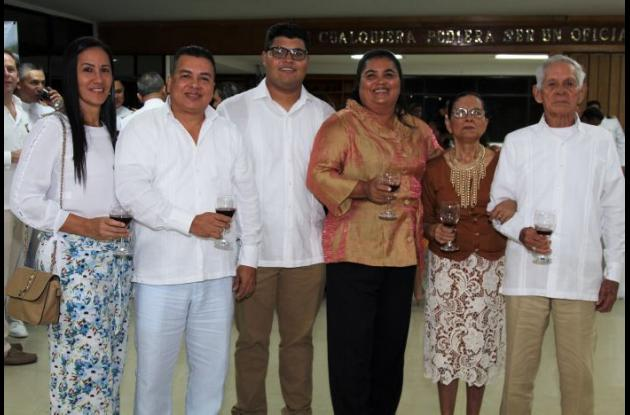 Patricia Ávila, Alberto Hernando, Virgilio González, Inelsa Hernández, Arselia Castro y Alberto Hernández.