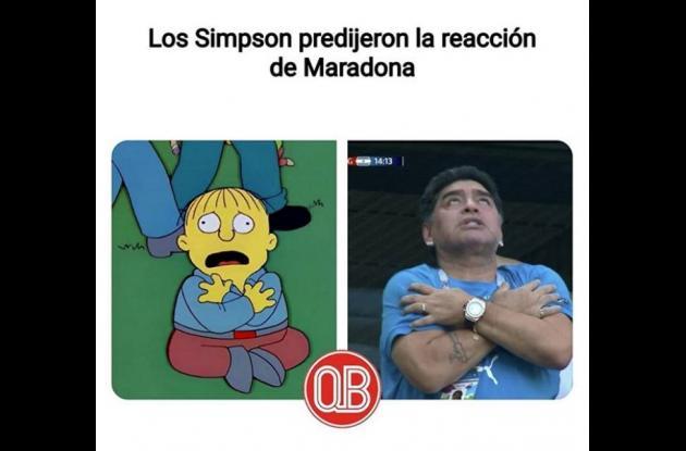 Meme de Ralph Wiggum y Diego Armando Maradona.