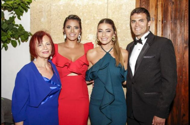 Raquel González, Jessica González, Michelle González y David Parra.