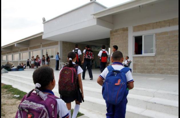Niños regresando a  clases