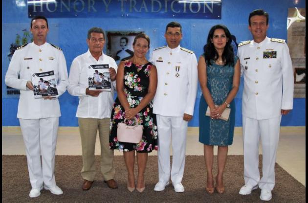 Roberto Ángel Torres, José Virgilio González, Carolina Zing de Pérez, Gabriel Pérez, Lucy de Cubides y Francisco Cubides Granados.