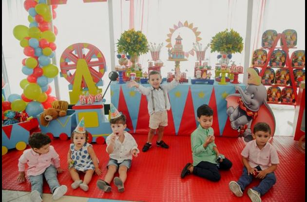 Sebastián Betancourt, Donatella Percy, Valentino Percy, Luis Armando Guzmán Jurado, Salomón Franco y Juan Ricardo.