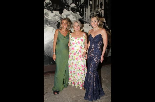 Silvia Sáenz, Olga Pumarejo y Vicky Turbay.