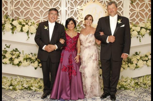 Simón Castellanos Gómez, Claudia Lequerica de Castellanos, Helena Michelena de Parra y Jesús Parra González.