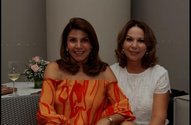 Yina Morales De Ávila y Sonia Villa de Segrera.