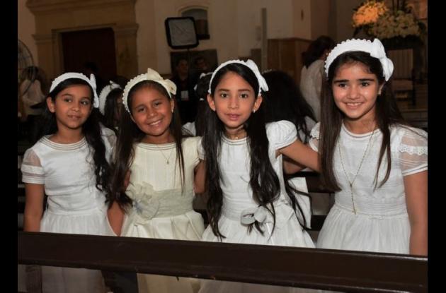 Ana Sofía Moreno, María Torreglosa, Mariana Espinosa y Siad Bechara.