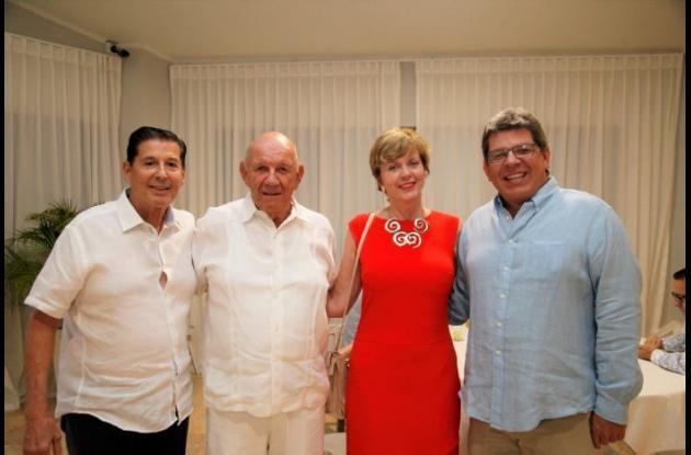 Antonio Lozano, Hermann Schwyn, Marianne Feldmann y Eric Schwyn.