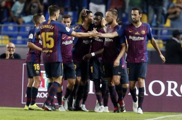 Jugadores del Barcelona celebran triunfo.