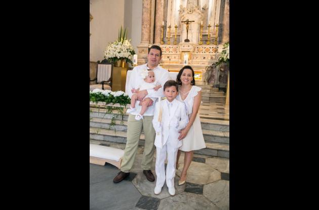 Diego León Marín, Lucía Marín Yepes, Erica Marín Yepes y Matías Marín.